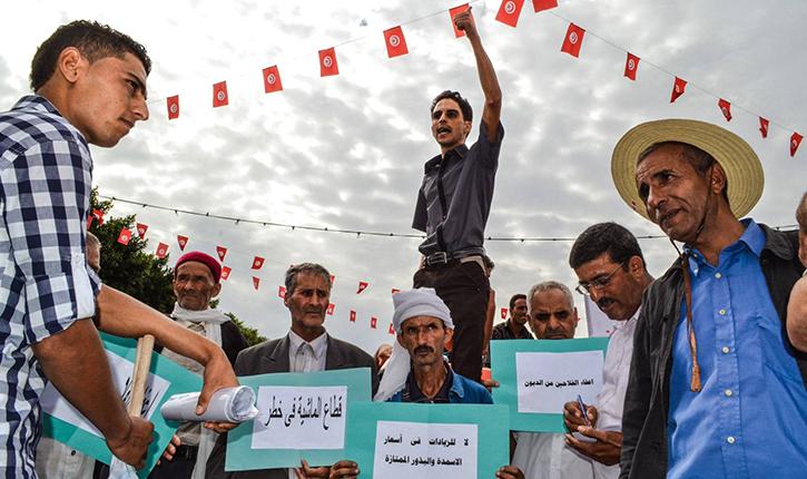 الفلاحون يحتجّون أمام قصر الحكومة