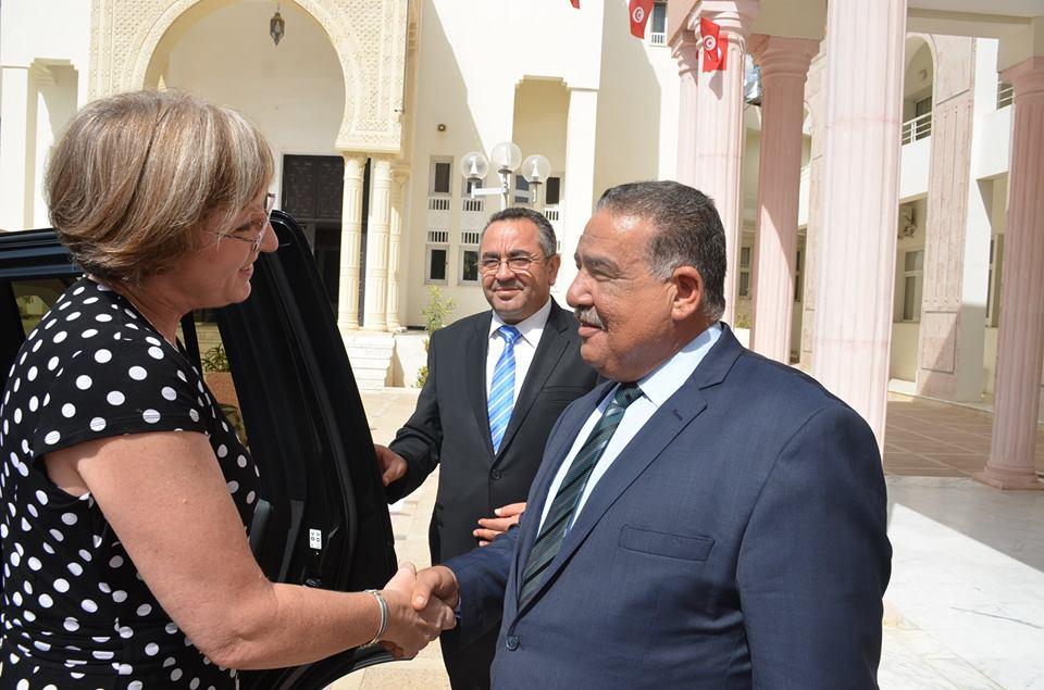 خلال زيارة لولاية سوسة : سفيرة بريطانيا تعلن مضاعفة المساعدات الأمنية لتونس