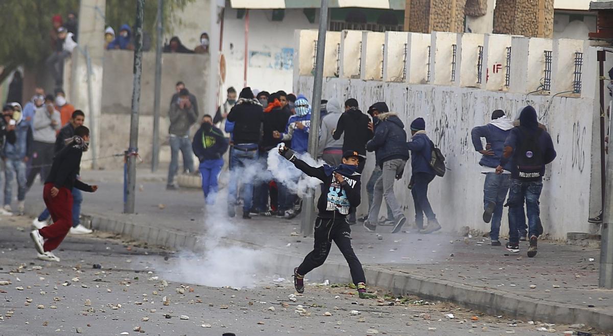 استغلوا الاحتجاجات : القبض على 5 مشتبه بهم في سرقة أكثر من 30 دراجة نارية من المستودع البلدي بالقصرين