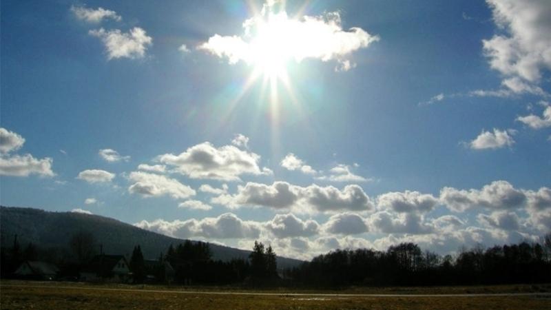 طقس اليوم: سحب عابرة والحرارة بين 19 و24 درجة