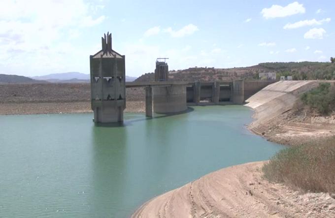 وزير التجارة يكشف أسباب نقص الخضر والغلال : الدولة أُُجبرت على توجيه مياه السدود الى الشرب