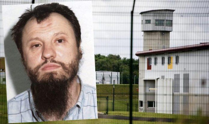 متّهم بالانتماء لتنظيم بن لادن: مدبّر الاعتداء على معبد «الغريبة» مطلوب لدى القضاء الأمريكي