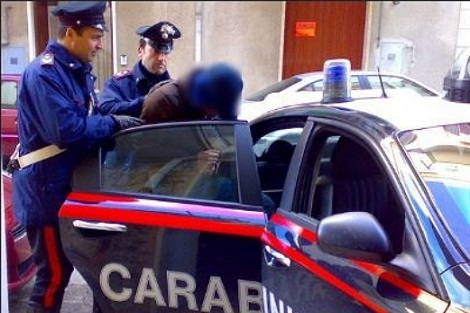 """ايطاليا: معاليم الكراء تُطيح بـ """"حارق"""" تونسي مصنّف """"خطير"""""""