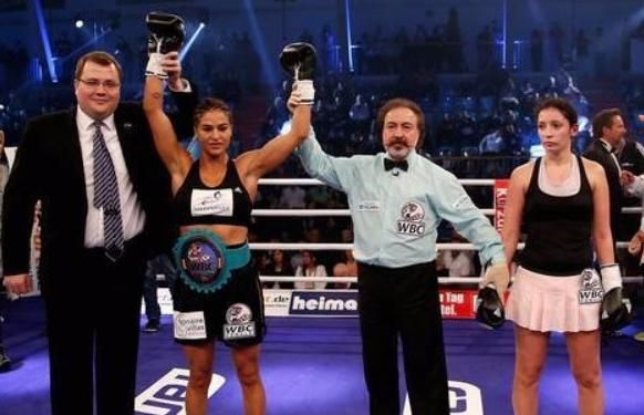 هنيئا لتونس بهذا الانتصار : التونسيّة إكرام كروات تفوز على بطلة العالم في الملاكمة