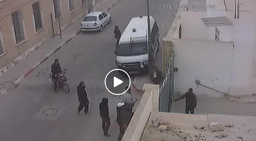 """بثّت فيديو """"الإدانة"""" : نقابة الأمن بتوزر مستاءة للإفراج عن مقتحمي مركز الولاية"""