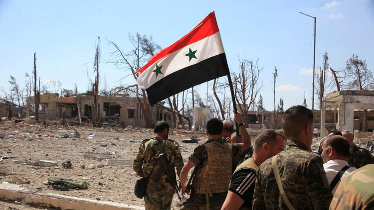"""قضى على عدد كبير من الإرهابيين الأجانب : الجيش السوري يعلن إنهاء """"داعش"""" في حماة وحلب (فيديو)"""