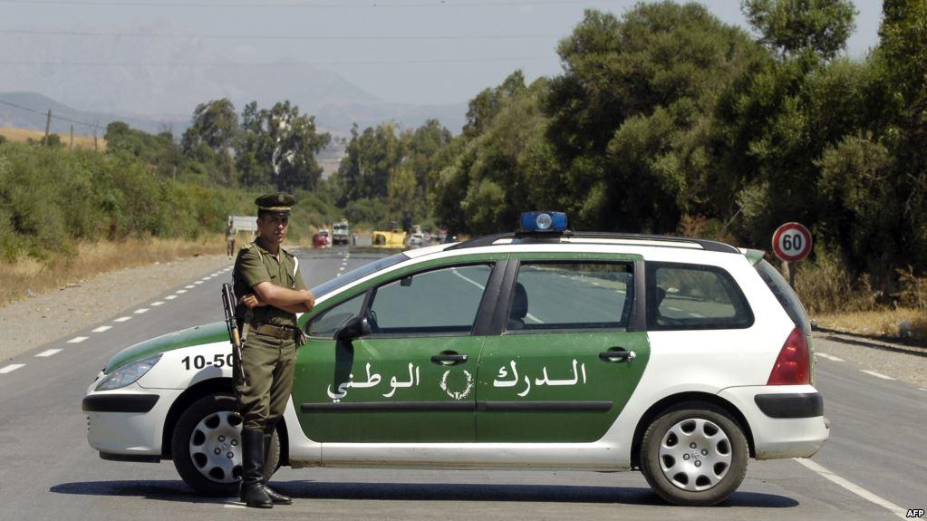 """الجزائر : الإطاحة بشبكة لدعم """"داعش"""" الإرهابي"""