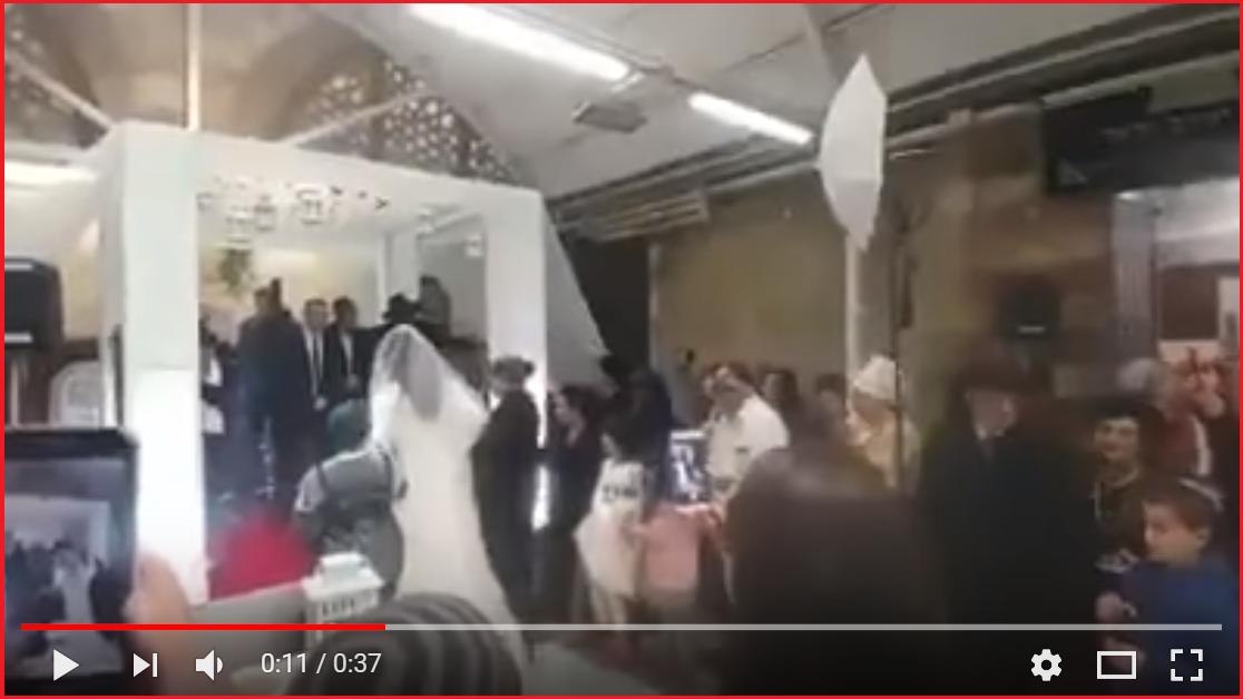 بالفيديو : مستوطنون يقيمون حفل زفاف داخل الحرم الإبراهيمي!
