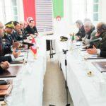 جلسة عمل بين الشاهد ورئيس الوزراء الجزائري