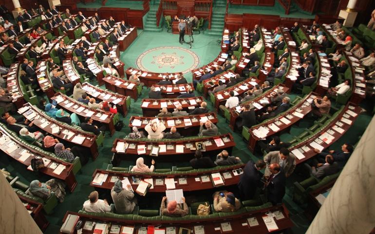 """وثيقة: نواب من ولاية القصرين """"يشتكون"""" زميلتهم إلى رئيس البرلمان"""