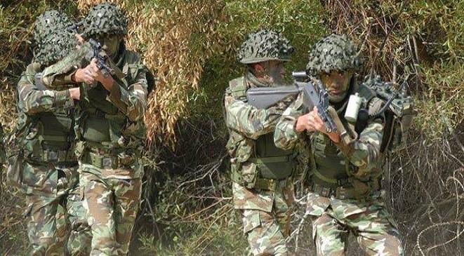 الجزائر : استشهاد 5 جنود قرب الحدود التونسية