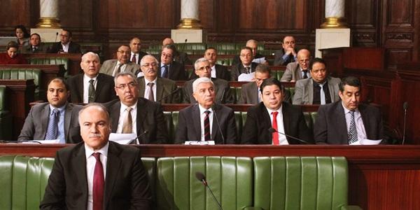 وزير التربية : فساد مالي في تمويلات مُقدمة للجمعيات تُقدر بـ24 مليارا