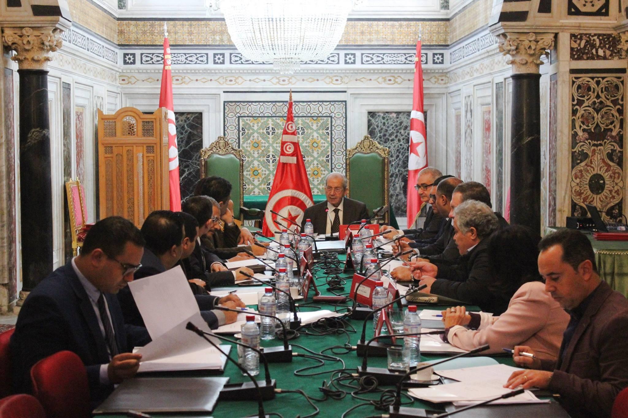في اجتماع بمحمد الناصر: أعضاء مكتب المجلس يثيرون تغوّل الادارة عليهم