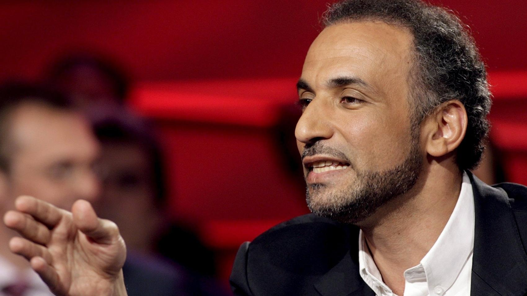 طارق رمضان يمثل أمام القضاء