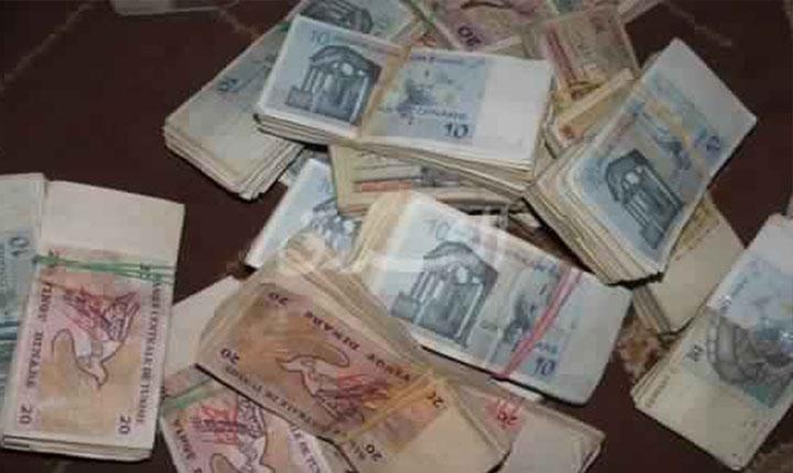 جبل الجلود : موظف بشركة يستولي على 80 ألف دينار