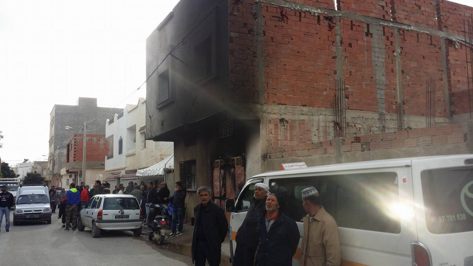 كارثة جديدة لمحلات البنزين المهرّب : حريق هائل في القيروان يفتك بصاحب المحلّ!