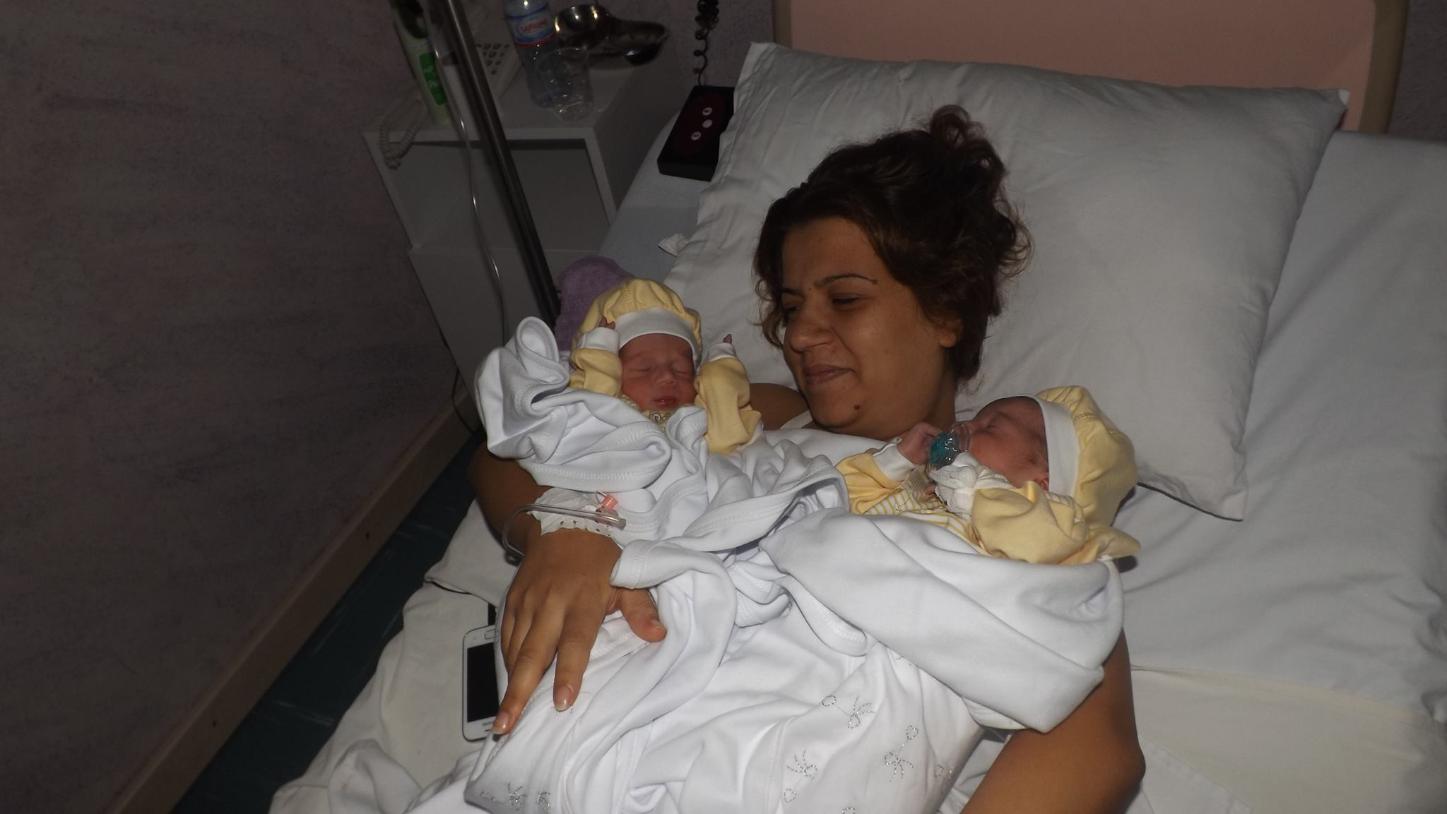 """ثقبوا معدتها خطأ أثناء الولادة : عائلة الفقيدة """"سميّة"""" تتّهم 11 طبيبا (وثائق)"""