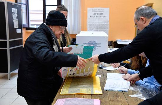 وسط توقّعات بعزوف الناخبين: الإيطاليون يختارون اليوم ممثّليهم في البرلمان