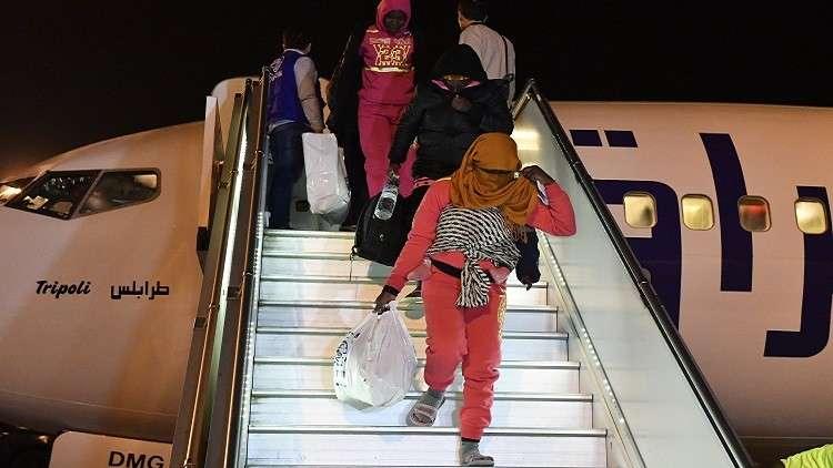 ليبيا: ترحيل 1334 لاجئا أجنبيا إلى النيجر وإيطاليا