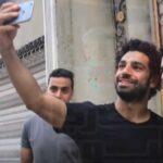 محمد صلاح يلتقي شبيهه