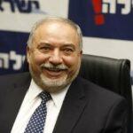 وزير الجيش الإسرائيلي يدعو محمد صلاح لمهمّة خاصة