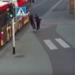 """بولونيا: """"مزحة ثقيلة"""" تضع فتاة على شفا الموت (فيديو)"""
