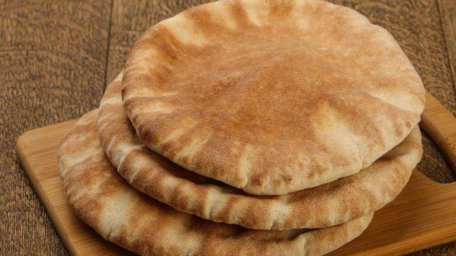 الخبزة مُرّة…L'agora