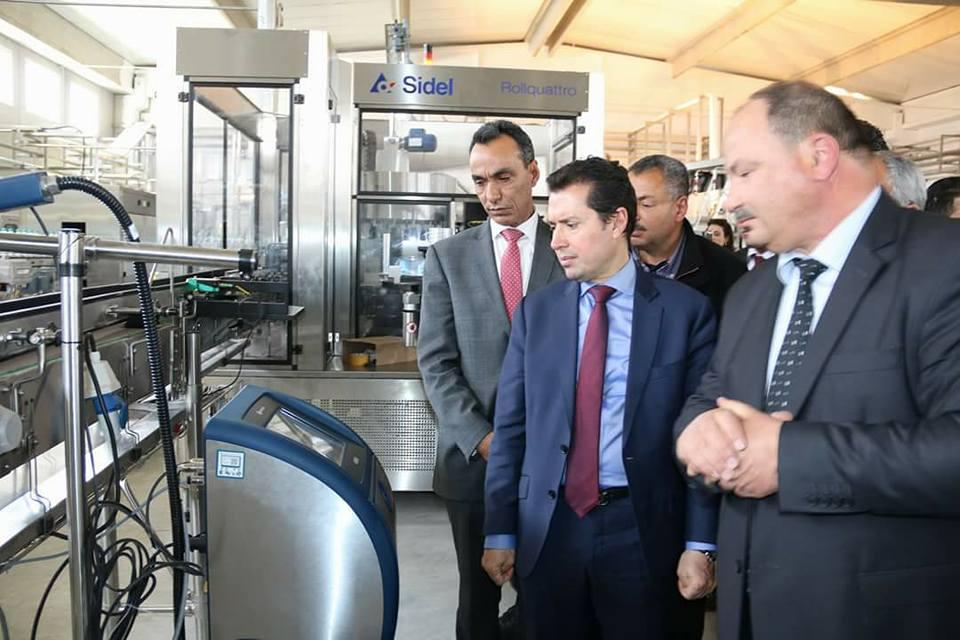 القيروان: وزير يُدشّن مصنعا لتعليب الماء