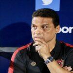 بعد هزيمة اليوم: استقالة مُدرّب الأهلي المصري