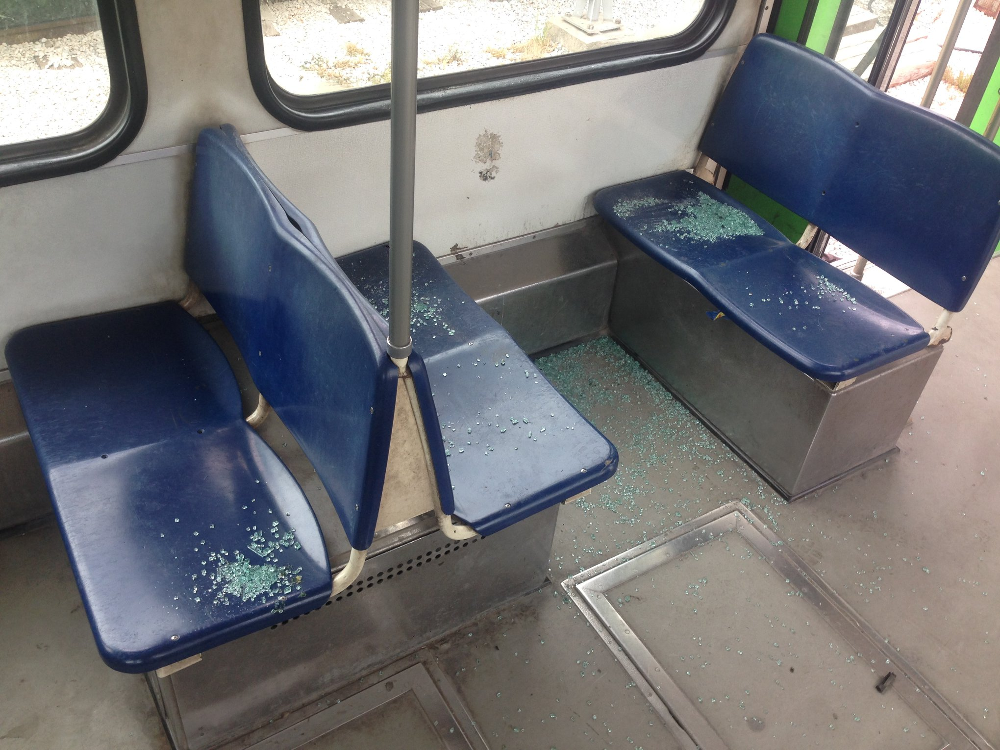 مصدر رسمي: اتهام صاحب شركة نقل بتخريب عربات المترو والقطارات