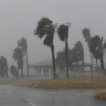 الهند : إعصار يُخلّف 80 قتيلا ونحو 150 جريحا