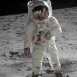وفاة رابع رائد فضاء مشى على سطح القمر
