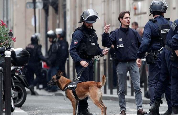 متابعة/ باريس: هُروب رهينة.. والمُسلّح يطلب الاتصال بسفارة إيران (صور)