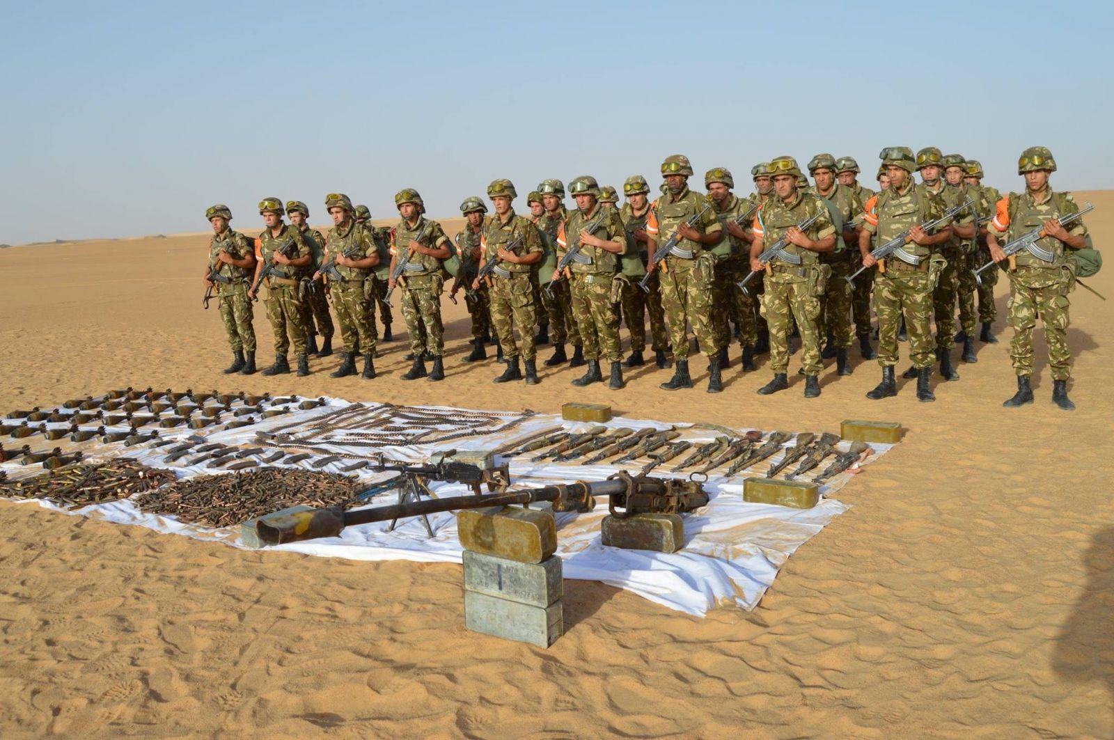 الجزائر: العثور على ترسانة من الأسلحة جنوب البلاد