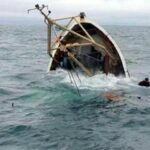 """غرق مركب """"حرّاقة"""" في قرقنة: إنقاذ 67 شخصا وانتشال 11 جثّة"""