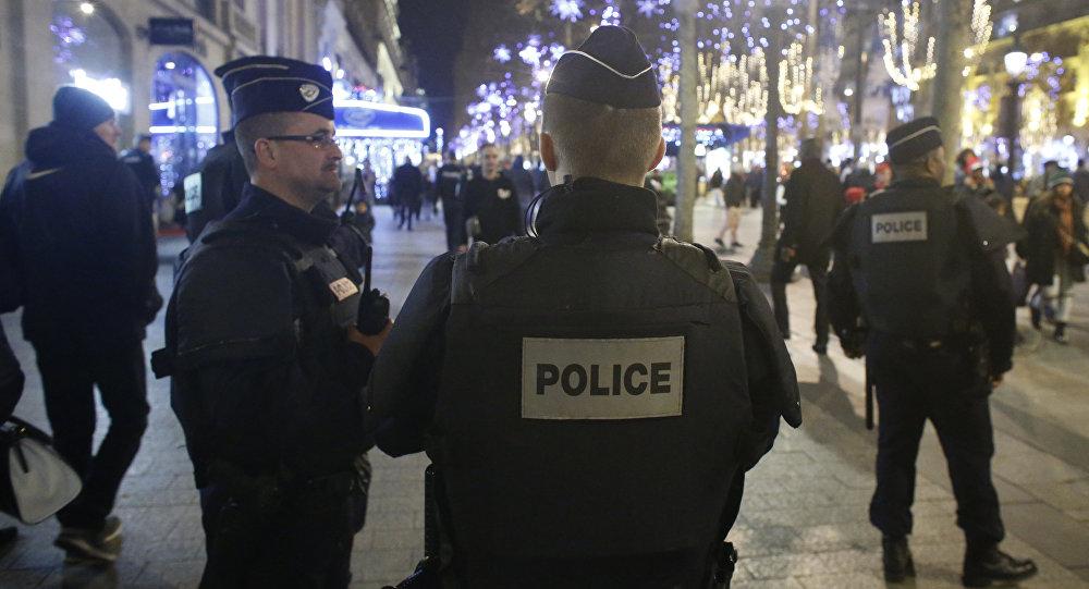 فرنسا: إيقاف إمرأة تهجّمت على شخصين بسكّين