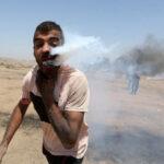 صور دموية.. عبوة غاز إسرائيلية تنفجر في وجه فلسطيني