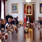 لأوّل مرّة منذ الأزمة: الشاهد يجتمع بوزراء وكتاب دولة ونواب نداء تونس