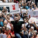 الأردن: الاحتجاجات الشعبية تطيح برئيس الوزراء