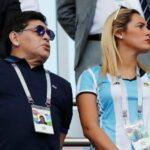 الفيفا يعاقب مارادونا