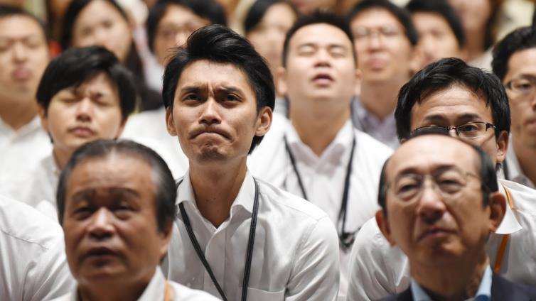 الشرطة الصينية تُحذّر من الانتحار بسبب المونديال