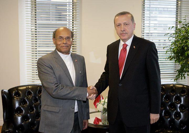 """المرزوقي مُهنّئا أردوغان: """"أوّل الغيث ديمقراطيون.. موتوا بغيظكم"""""""