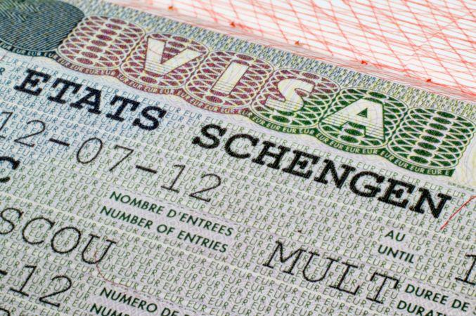 صحيفة إيطالية: حكومة مالطا باعت 88 ألف تأشيرة غير شرعية للّيبيين