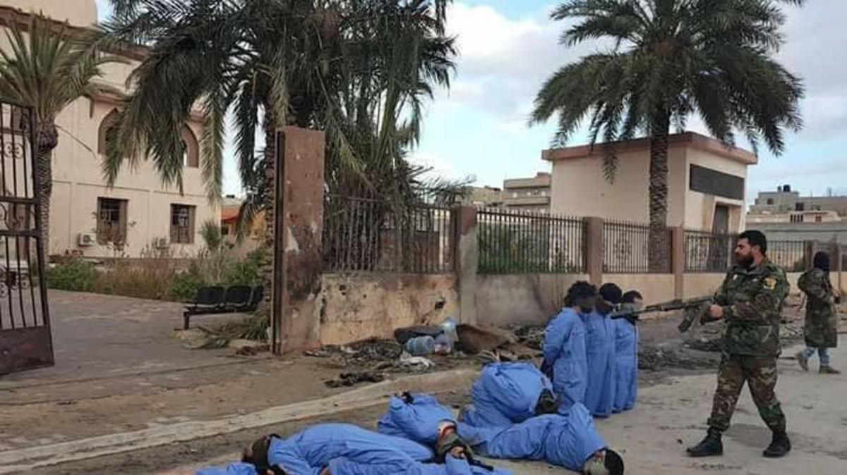 مطلوب دوليا: فرار الورفلّي .. رجل الإعدامات من السجن العسكري بليبيا