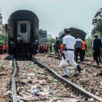 القاهرة: 42 جريحا في انحراف قطار عن السكّة