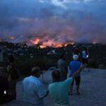 فيديو/ كارثة غير مسبوقة: دول تتسابق لإغاثة اليونان .. والسلط تُعلن حدادا بـ 3 أيام