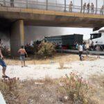 صور/ المهدية: مُحتجّون يُغلقون الطريق السيّارة بعد 7 أيام دون ماء