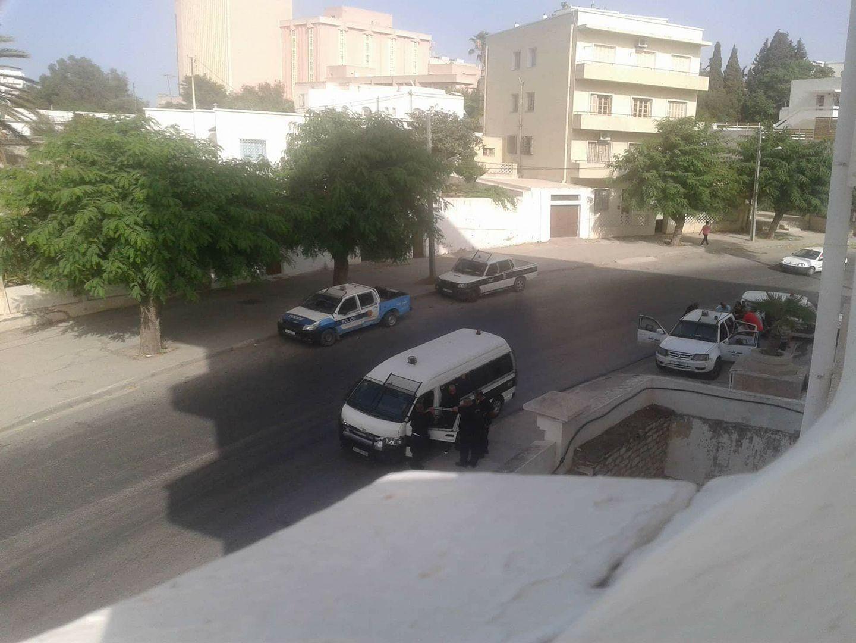 بطلب من مديره: سيارات الشرطة تُطوّقُ معهد بن شرف