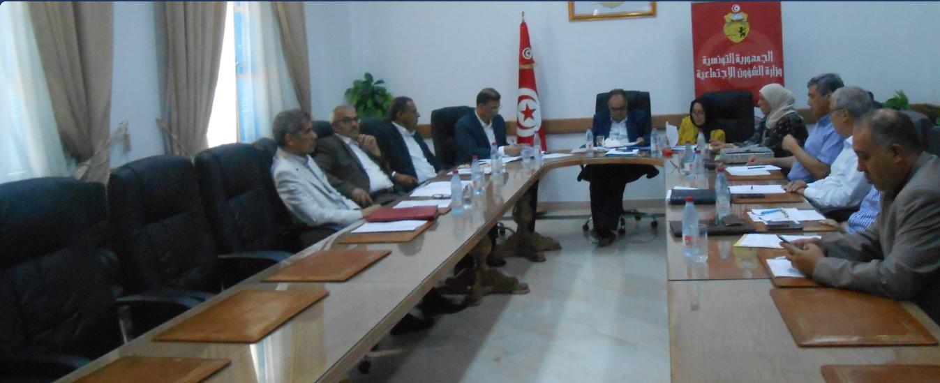 مفاوضات القطاع الخاص : لجنة لإدارة الخلاف بين الأعراف واتحاد الشغل