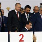انتخاب أردوغان رئيسا للعدالة والتنمية بأغلبية ساحقة